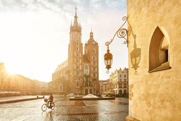 Obraz Krakow Market Square and St. Mary's Basilica - fototapety do salonu
