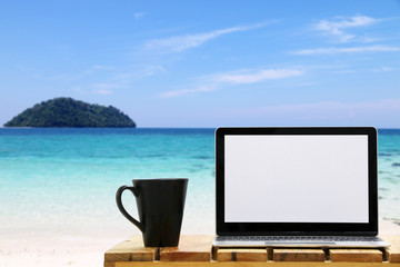 Workspace Laptops On the beach