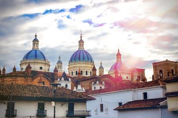 Die Kathedrale der Unbefleckten Empfängnis in Cuenca, Ekuador