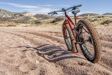 fat bike on trail with deep, loose gravel