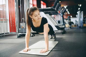 girl pumps muscles