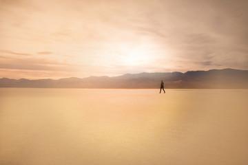 mannequin dans le désert