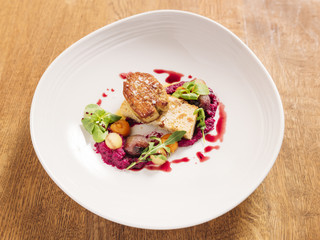 Duck liver with puree of red cabbage and apples