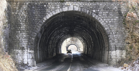 Kamienne dwa tunele 3D