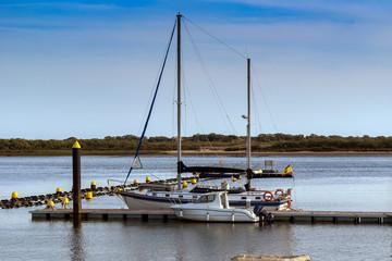 Velero atracado en el puerto de El Portil rn Huelva