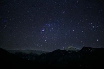 南アルプス甲斐駒ケ岳冬の星空