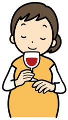 お酒を飲む妊婦