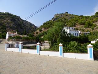 Jorox, aldea  de Alozaina, en la provincia de Málaga, Andalucía (España) situada en el valle del río y poblada desde el Paleolítico