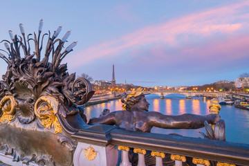Fotomurales - The Alexander III Bridge across Seine river in Paris, France