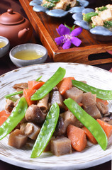 Mixed vegetable cuisine of beans and konjac.