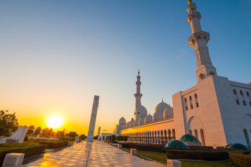Sheikh Zayed Grand Mosque, minaret of the largest mosque in the United Arab Emirates and the eighth largest mosque in the world. Abu Dhabi, UAE