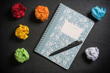 Neubeginn mit frischem Notizbuch