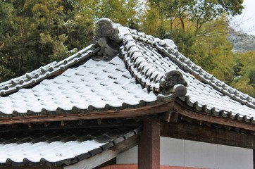 Trace of snow on a traditional Japanese roof