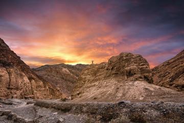 homme au sommet du canyon