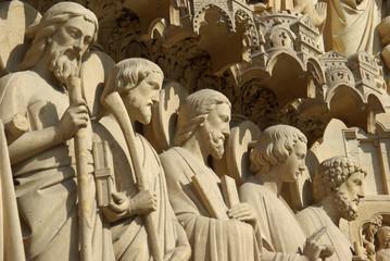 Aluminium Prints Historic monument Apôtres de la façade de Notre-Dame à Paris, France