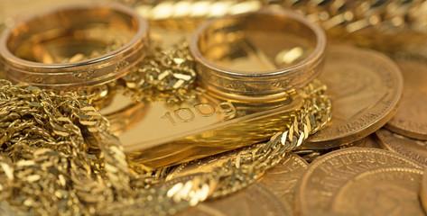Gold, Goldschmuck, Goldmünzen, Goldbarren
