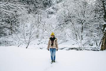 雪景色と女性