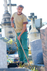Stores photo Cimetiere maintaining a cemetery