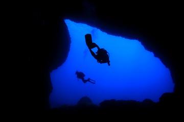 Cave scuba diving