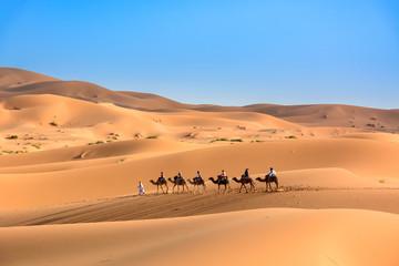 Karawana na pustynii Sahara, Wydmy Erg Chebbi.