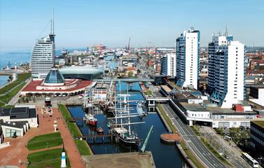 Blick auf Bremerhaven, Aussicht von oben auf den Museumshafen und weitere Sehenwürdigkeiten