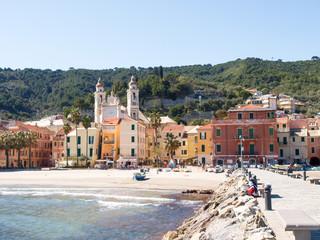 Foto op Plexiglas Stad aan het water Laigueglia, view from the sea