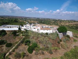 Cacela Velha  en Portugal,aldea costera  del Algarve, en la zona del Parque Natural de Ria Formosa  perteneciente a Vila Real de Santo António. Foto aerea con Drone
