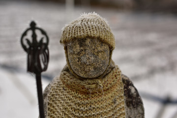 岡山県の円城ふるさと村で見つけた霜の下りたお地蔵さん