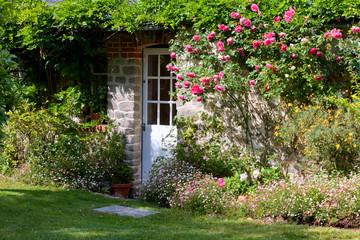 Maison > Jardin > Porte > fleurs