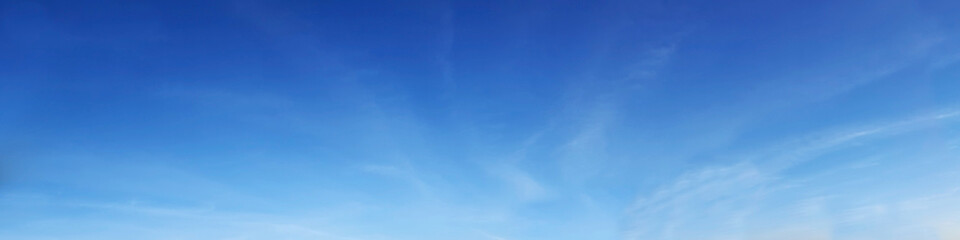 Papiers peints Ciel Vibrant color panoramic sky with cloud on a sunny day. Beautiful cirrus cloud.