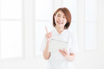 笑顔のナース タブレットコンピューター