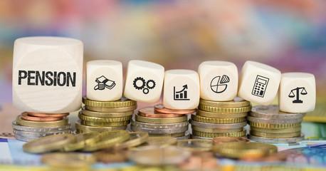 Pension / Münzenstapel mit Symbole