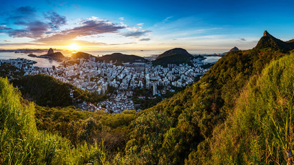 Fototapete - Panoramic View of Rio de Janeiro From the Sugarloaf Mountain to the Corcovado by Sunrise