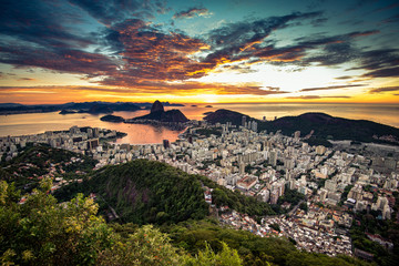 Fototapete - Rio de Janeiro View by Sunrise with Dramatic Sky and the Sugarloaf Mountain