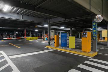 駐車場 入り口