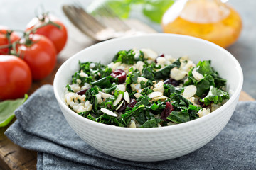 Warm kale salad with brown rice and cranberry