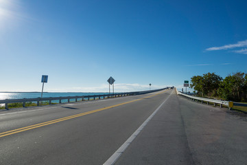 USA, Florida, Overseas highway bridge over the tropical ocean of florida keys