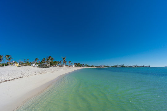 USA, Florida, Paradise like sombrero beach on marathon, florida keys with white sand and clear water