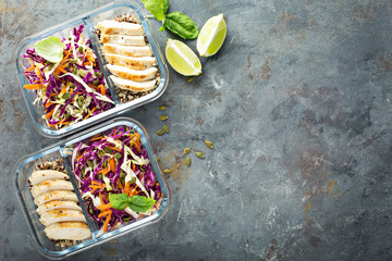 Zelfklevend Fotobehang Kruidenierswinkel Healthy meal prep containers with quinoa and chicken