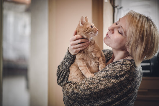 A woman and her cat
