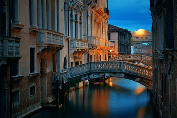 Wall Mural - Venice canal night bridge