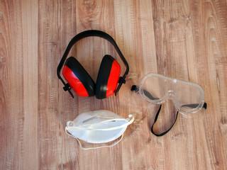Gehörschutz,Augenschutz und Mundschutz