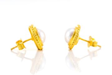 gold stud earrings