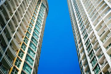 apartmentbuilding with blue sky