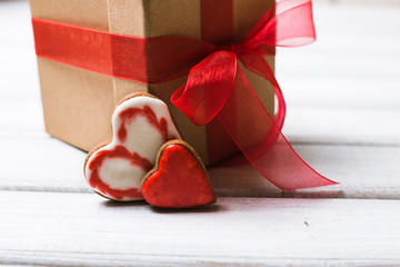 two hearts cookie gift box