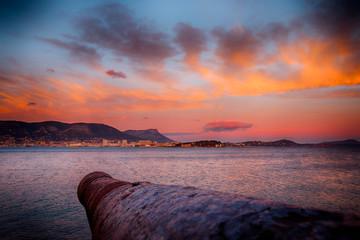 Coucher de soleil sur la rade de Toulon depuis le Fort Balaguier à La Seyne-sur-Mer