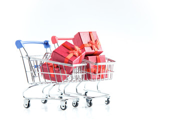 Mini shopping cart blue and red with gift ring box inside