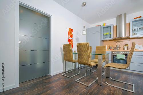 Moderne Wohnküche, Einrichtung