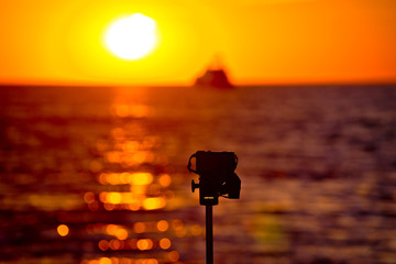 Epic sunset photograpgy with DSLR on tripod