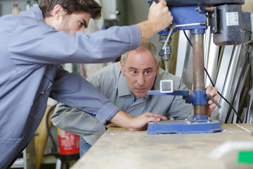 apprentice on milling machine